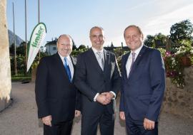 von links nach rechts: Vorstandsvorsitzender Dr. Walter Schieferer, Landesdirektor Pierluigi Siri und LH-Stellvertreter ÖR Josef Geisler